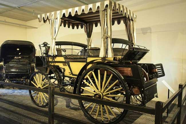 mobil-pertama-indonesia